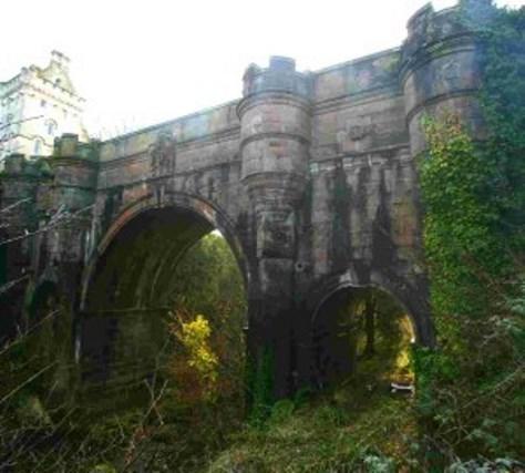 Overtoun Bridge: il ponte dei cani suicida