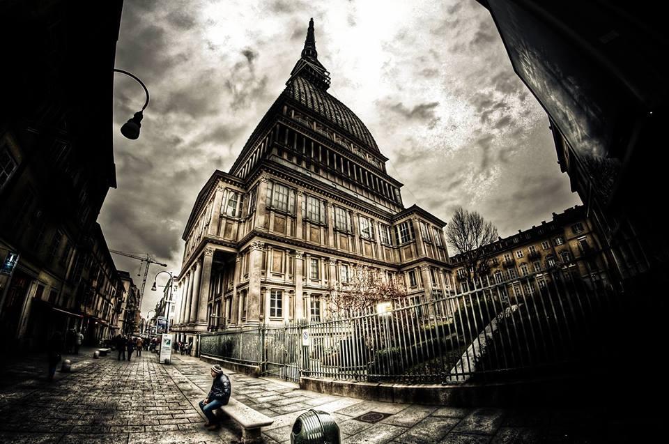 Mole-antonelliana Torino città magica - I misteri di una città al centro della magia.