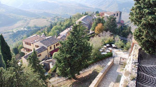 1404468442_Castello-di-Montebello-2009-36-600x335 La Leggenda di Azzurrina, la bambina scomparsa nel nulla